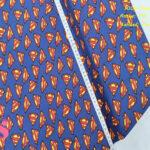 L66-superman-logotipo-fondo-azul-patch-americano-tejidos-algodón-estampado-percal,Tejido Estampado Patch Americano Superman Logotipo Fondo Azul