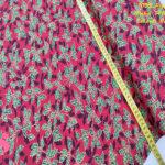 621-hojas-navideña-fondo-rojo-navidad-tejidos-algodón-estampado-percal,Tejido Estampado Hoja de Acebo fondo Rojo