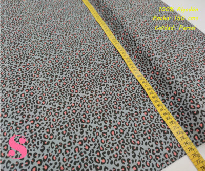 630-manchas-fucsia-fondo-gris-animal-print-leopardo-tejidos-algodón-estampado-percal,Tejido Estampado Animal Print Gris Mancha Rosa,leopardo multicolor,estampado leopardo de colores