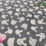 14-tejidos-calentitos,telas-de-invierno,telas-para-hacer-sabanas,tejidos-de-pelo,Coralina Estampada Conejitos & Ositos Gris