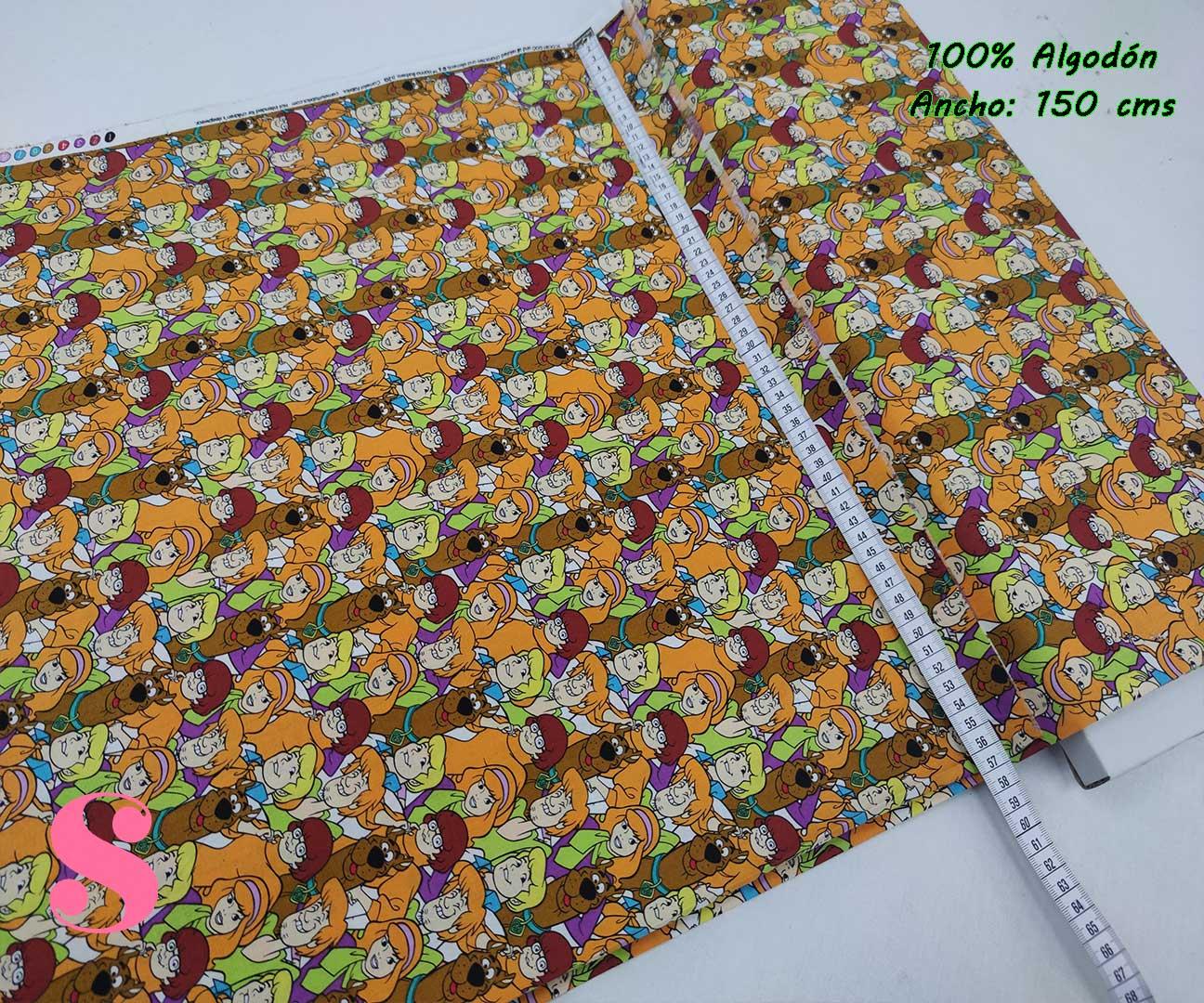 3-telas-frikis,tejidos-estampados-vintage,estampados-frikis,telas-originales,camelot-fabrics,Tejido Estampado Patch Americano Scooby Doo