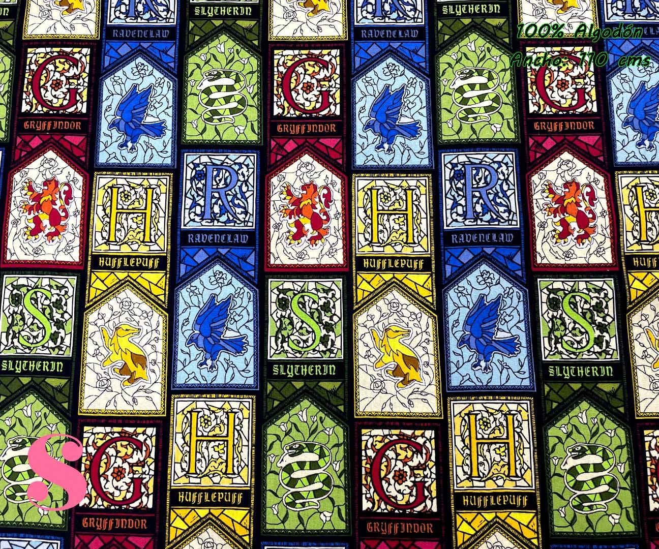8-telas-frikis,telas-harry-potter-originales,telas-camelot,estampados-originales-harry-potter,Tejido Estampado Patch Americano Harry Potter Vidriera Casas de Hogwarts