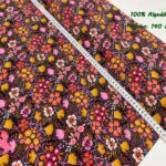 8-popelin-estampado-flores,telas-flores,telas-de-algodón-estampadas,telas-infantiles,Popelín Estampado Fall Flowers fondo Negro
